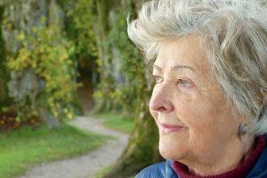 imagen de una mujer mayor.