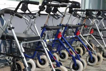 factores a tener en cuenta a la hora de elegir un andador para personas mayores.
